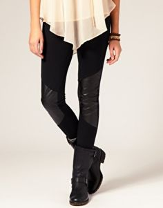 Lexi Battelle: Love these leather leggings! The touch of leather is perfect so you can still wear leather boots with it! - Socialbliss