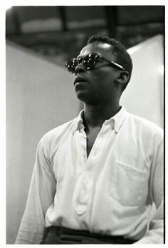 Miles Davis with his Oxford polo camicia Miles Davis, Jazz Artists, Jazz Musicians, Music Artists, Music Film, Music Icon, Jazz Trumpet, Ivy Style, Kind Of Blue