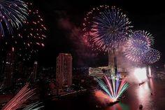 "NBC News az Instagramon: ""#Fireworks explode over Chao Phraya River during New Year's celebrations in #Bangkok, #Thailand. . 📷 Soe Zeya Tun / @reuters"" New Year Celebration, Nbc News, Bangkok Thailand, Fireworks, Celebrations, River, Rivers"