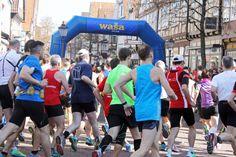 Einmal im Jahr findet in der Celler Innenstadt der Wasa-Lauf statt. Zahlreiche Läufer und Zuschauer werden jedes Jahr wieder erwartet. In diesem Jahr kamen an die etwa 35.000 Menschen an und auf die Strecke.