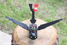 How to Build a LEGO Toothless (Inspired by How to Train Your Dragon) - Frugal Fun For Boys and Girls Lego Custom Minifigures, Lego Duplo, Lego Activities, Craft Activities For Kids, Craft Ideas, How To Train Your, How Train Your Dragon, Legos, Lego Super Mario
