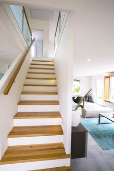 Staircase straight as a room divider - interior design house ICON by Dennert Massi . Staircase straight as a room divider – interior design house ICON by Dennert Massi … – # Home Interior Design, Interior Architecture, Mirror Room Divider, Design Commercial, Sala Grande, House Stairs, Hall House, Gable Roof, Shelves In Bedroom