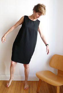 Dass ich schwarze Kleider mag, kann man hier schon ahnen. Dies hier ist FrauSelma, ein neuer Schnitt von fritzischnittreif - mit zwei ni...