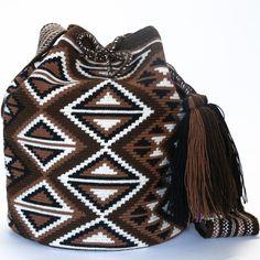 inspiration Wayuu Boho Bags with Crochet Patterns Diy Crochet Patterns, Tapestry Crochet Patterns, Crochet Handbags, Crochet Purses, Mochila Crochet, Basic Embroidery Stitches, Tapestry Bag, Diy Handbag, Boho Bags