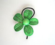SOLD / #Vintage 1960s Mod / Green & Black Enamel Flower Pin / Brooch by VelouriaVintage, $10.00