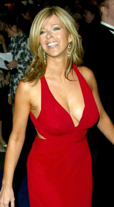 Always been one of my favourite immaculate and very very desirable indeed ❤️ Kate Garraway, Tv Girls, Tv Presenters, Sexy Older Women, Voluptuous Women, Vintage Beauty, Lady In Red, Beauty Women, Boobs