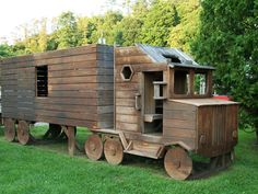 Truckin'- I love this wooden 18 wheeler!  How cool....My grandson would love this thing...so would his daddy!