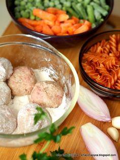 skladniki_na_klopsiki_z_makaronem_i_warzywami Sausage, Keto, Food, Sausages, Meals, Chinese Sausage