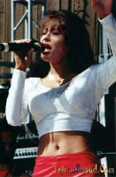 Check out those abs! Selena was perfect!