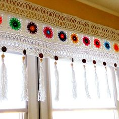 Crocheted curtains for kitchen.- Crocheted curtains for kitchen. Crocheted curtains for kitchen. Crochet Decoration, Crochet Home Decor, Crochet Crafts, Yarn Crafts, Home Crafts, Crochet Projects, Diy Crafts, Crochet Curtain Pattern, Crochet Curtains