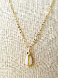 White Teardrop Necklace Ivory Teardrop by CapriciousBijoux on Etsy, ¥1700