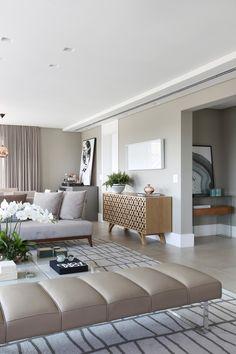 Living Room Tv, Living Room Interior, Home And Living, Modern Classic Interior, Beige Room, Estilo Interior, Living Styles, Interior Exterior, Home Decor Kitchen