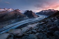 sunrise over the icy ridge and snow capped mountains in Bettmerhorn