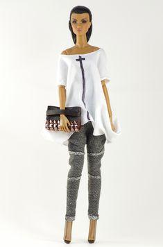 (FR2 body) inc. t-shirt, pants, boots, purse.