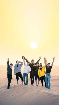 Tgghh gotta love them so much owo JD's legz tho 👀 Exo Group Photo, Bts Group Photos, Bts Photo, Kpop Exo, Exo Chanyeol, Namjin, Jikook, Day6 Sungjin, Taehyung