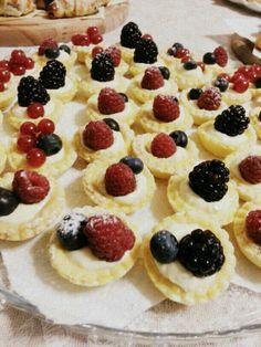 Crostatine finger food.... per gli amanti dei frutti di bosco!!!
