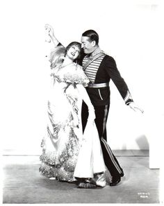 Jeanette MacDonald Maurice Chevalier The Merry Widow Jeanette Macdonald, Merry Widow, Belle Epoque, Great Movies, Life Photography, Comedians, Movies And Tv Shows, Movie Stars, Actors