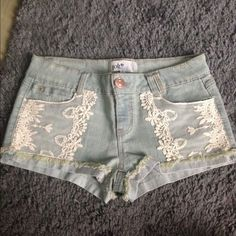 Denim shorts with lace detailing Perfect condition Jolt Jeans