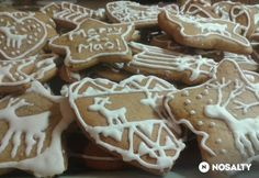 Startlap - www. Gingerbread Decorations, Gingerbread Cookies, Xmas Food, Christmas Baking, Cookie Recipes, Dessert Recipes, Xmas Dinner, Hungarian Recipes, Winter Food