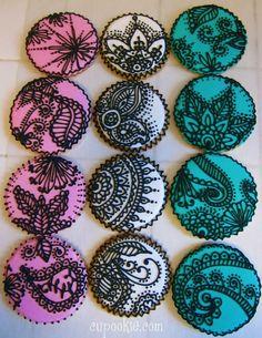Henna cupcakes - Sonal J. Shah Event Consultants, LLC SO pretty Fancy Cookies, Iced Cookies, Cute Cookies, Royal Icing Cookies, Cookies Et Biscuits, Cupcake Cookies, Sugar Cookies, Cookie Favors, Favours
