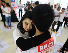 Happy National Hugging Day! Aspire to these 5 hug world records | abc13.com