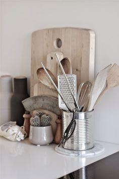 kitchen details, scandinavian interior styling http://www.scandinavianlovesong.com/