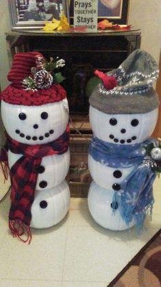 25 Amazing DIY Snowman Christmas Decoration Ideas for Outdoor - Snowman Diy, Snowman Christmas Decorations, Diy Christmas Gifts, Christmas Snowman, Christmas Projects, Simple Christmas, Christmas Ornaments, Christmas Pumpkins, Christmas Porch