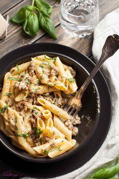 Decadent and sumptuous, yet so quick and easy, this Creamy, Cheesy Italian Sausage and Basil Penne is comfort food at its best. Healthy Pastas, Healthy Chicken Recipes, Healthy Dinner Recipes, Pasta Recipes, Cooking Recipes, Recipe Pasta, Sausage Recipes, Healthy Desserts, Cooking Ideas