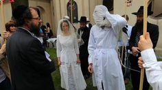 Jewish wedding in Krakow in 'The Return.'