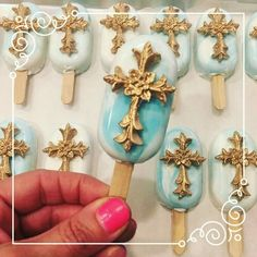 Welcome To The Yummy World Of Cakesicles Baptism Cookies, Christening Favors, Cakepops, Baby Popsicles, Christian Cakes, 50th Birthday Cupcakes, Paletas Chocolate, Magnum Paleta, Chocolate Covered Treats