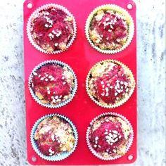 Himbeer-Haferflocken-Muffins - Du suchst ein gesundes Rezept für Muffins? Mit diesen Himbeer-Haferflocken-Muffins fühlst du dich wie im siebten Himmel.