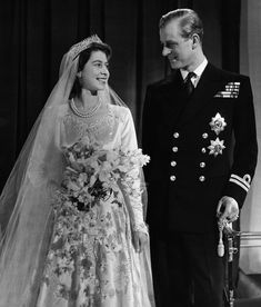 - pic: Princess Elizabeth (now HM Queen Elizabeth II.) and Prince Phillip married on November 1947 . - pic: Prince Charles and Lady Diana married on July . - pic: Prince William and Ms. Catherine married on April 2011 . Princesa Beatrice, Princesa Elizabeth, Princesa Diana, Queen Elizabeth Wedding, Prince Philip Queen Elizabeth, Queen Mary, Queen Elizabeth Tiaras, Elizabeth Young, Princess Margaret