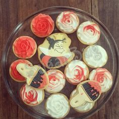 Alice in wonderland rose queen of hearts cookies