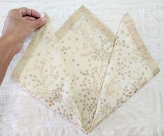 6 Easy Napkin Folding Ideas I Love - Herzlich willkommen Christmas Napkin Folding, Paper Napkin Folding, Christmas Napkins, Paper Napkins, Folding Napkins, Simple Napkin Folding, Christmas Stuff, Simple Christmas, Diy Christmas