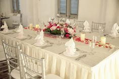 Table Arrangements For Wedding Receptions Red Wine | visit www.lovelyweddingideas.com
