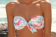 The top of a bikini #whiteblue #flowers #bikinitop