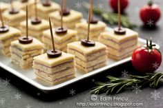Erica Brand posted Cute Food For Kids : Funny Party Appetizer: Cheese Mice to her -treats i want to make- postboard via the Juxtapost bookmarklet. Appetizer Sandwiches, Mini Sandwiches, Cheese Appetizers, Appetizer Dips, Appetizers For Party, Party Snacks, Appetizer Recipes, Girls Tea Party, Romanian Food