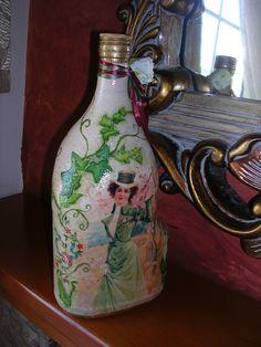 Κλασσικό μπουκάλι με κρακελέ και ντεκουπάζ. Classic bottle with cracked and decoupage. Facebook Sign Up, Decoupage, Bottles