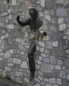 strange_sculptures_worldwide_20