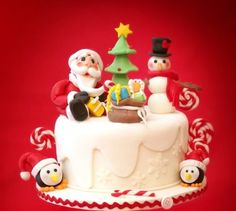 DIY Cute Christmas Cake with Step-by-Step Tutorial