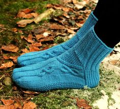 Ravelry: Jukkasukat pattern by Sari Suvanto Knitting Projects, Knitting Patterns, Knit Stockings, Knitting Socks, Knit Socks, Needles Sizes, Yarn Colors, One Color, Colour