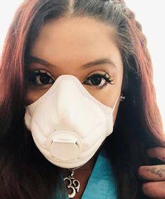Gas Mask Girl, White Face Mask, Respirator Mask, Degas, Jennifer Aniston, Kim Kardashian, Mascara, Masks, Mascaras