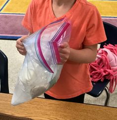 How to Make Ice Cream in a Bag - KTeacherTiff Ice Cream Kids, Diy Ice Cream, Ice Cream Day, Homemade Ice Cream, Outdoor Activities For Toddlers, Summer Activities For Kids, Diy For Kids, Crafts For Kids, Stem Activities