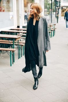 HOW TO WEAR THE COWBOY BOOTS  I recognize that, like Leandra Medine of Man Repeller , the tendency of boots cowboy