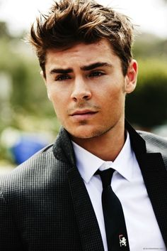 The 25 Absolute Best Pictures Of Zac Efron On The Internet