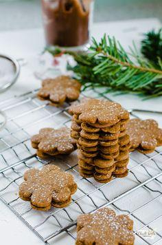 spekulky plněné čokoládovým krémem Eat Me Drink Me, Holiday Cookies, Biscuits, Cooking, Cake, Sweet, Christmas, Recipes, Food