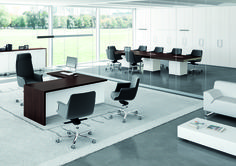 Escritorio de oficina ejecutivo con estantes Colección T45 by Quadrifoglio Sistemi d'Arredo diseño Centro Design Quadrifoglio