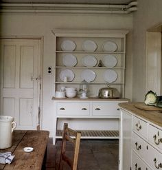 Country kitchenby Maisons Cote' Sud