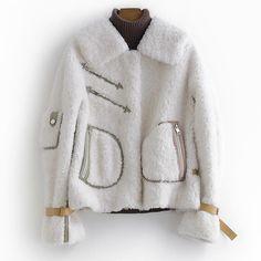 Collar:Turn-down Collar; Fur Fashion, Winter Fashion, Style Fashion, White Fur Jacket, Faux Shearling Coat, Mode Mantel, Fur Collar Coat, Fur Clothing, Winter Jackets Women
