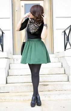 Fall Outfit: Black Length/Long Sleeve Shirt + Green Skirt + Leopard Scarf + Black Tights + Black Booties/Ankle Boots (maybe different shoes) Looks Street Style, Looks Style, My Style, Look Fashion, Fashion Beauty, Womens Fashion, Fall Fashion, Skirt Fashion, Street Fashion